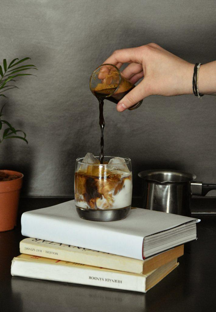 Jak zrobić kawę mrożoną w domu? - przepisy